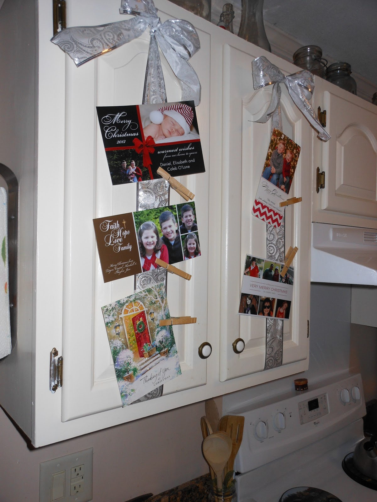 Life in New Hampshire: Hanging Christmas Cards/Pictures