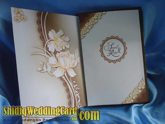 http://www.shidiqweddingcard.com/2014/02/hardcover-88153.html