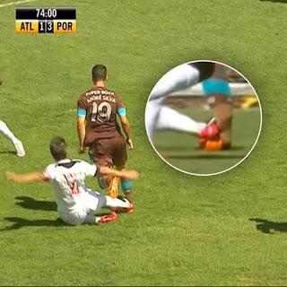 Falta dura sobre André Silva do Porto B