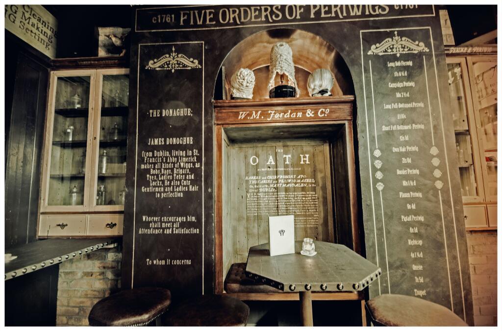 The Peruke and Periwig Pub
