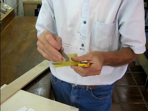 V deo c mo usar cuchilla de cortar formica web del - Como pintar sobre formica ...