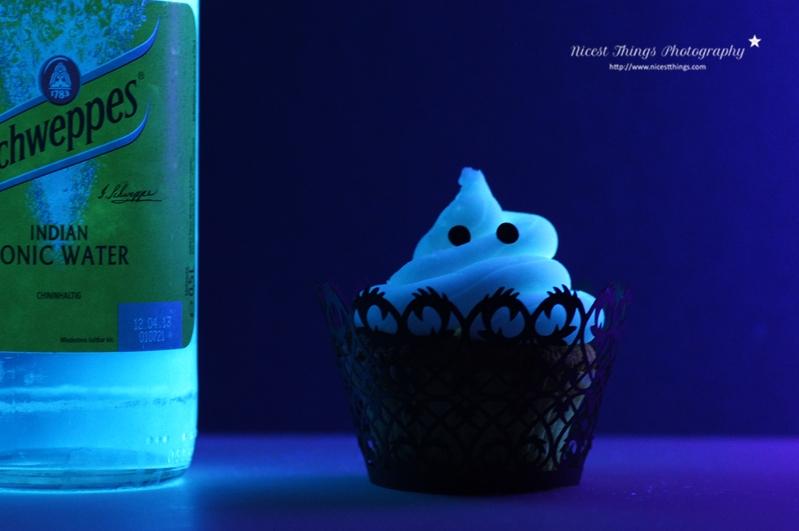 leuchtende Geister Cupcakes für Halloween