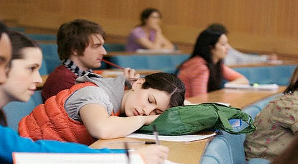 9 Tips konyol ini akan Mencegah Kamu Mengantuk di Kelas