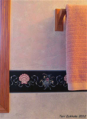 Sponge Painting Texture in Bathroom by Teri Eckholm REALTOR