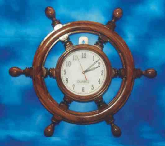 jam dinding kemudi kapal besar