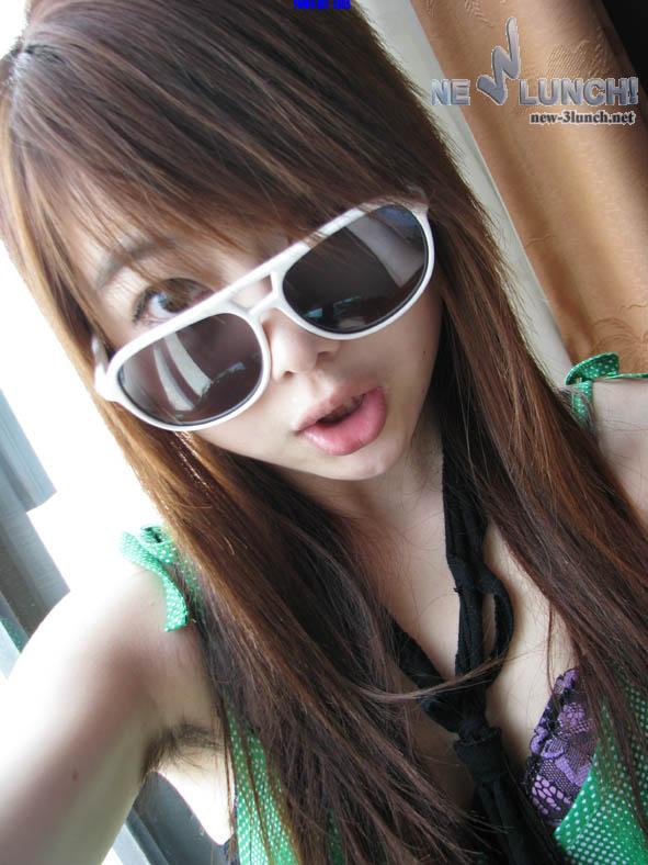 Super Cute Chinese amateur women's hairy armpit photos collection (404pix)