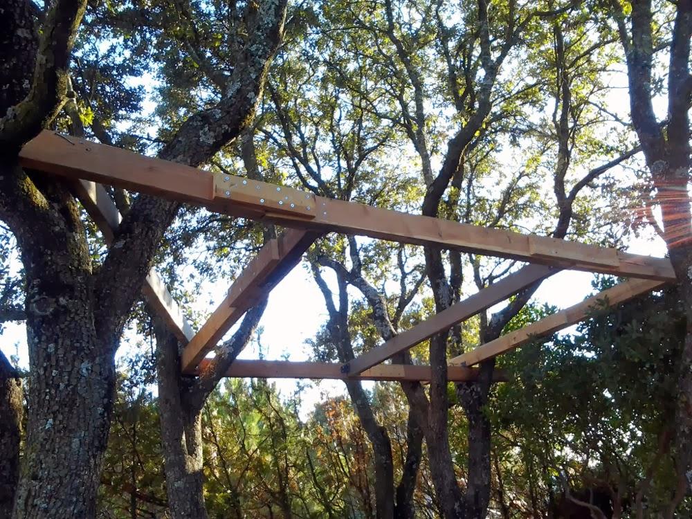 el resto de vigas de la estructura principal las fuimos sobre las crucetas de los diferentes rboles que haba en el lugar siempre buscando la