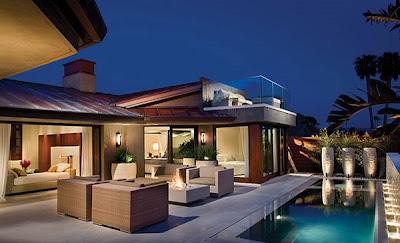 contoh desain kolam renang kecil untuk rumah minimalis