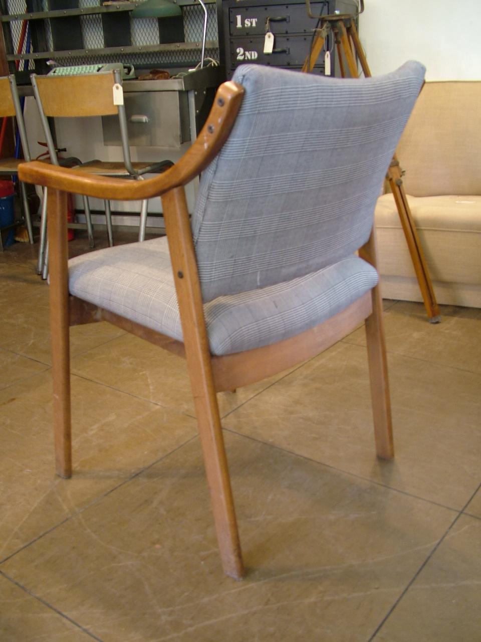 Sillas de madera de haya con tapizado en pata de gallo - Tapizado de sillas precio ...