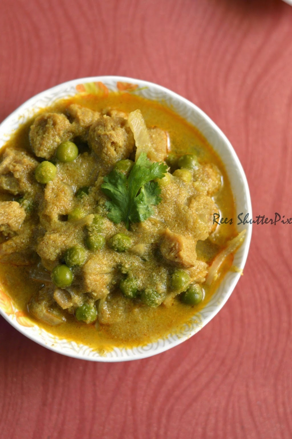 soya chunks, green peas recipes, how to make soya chunks curry