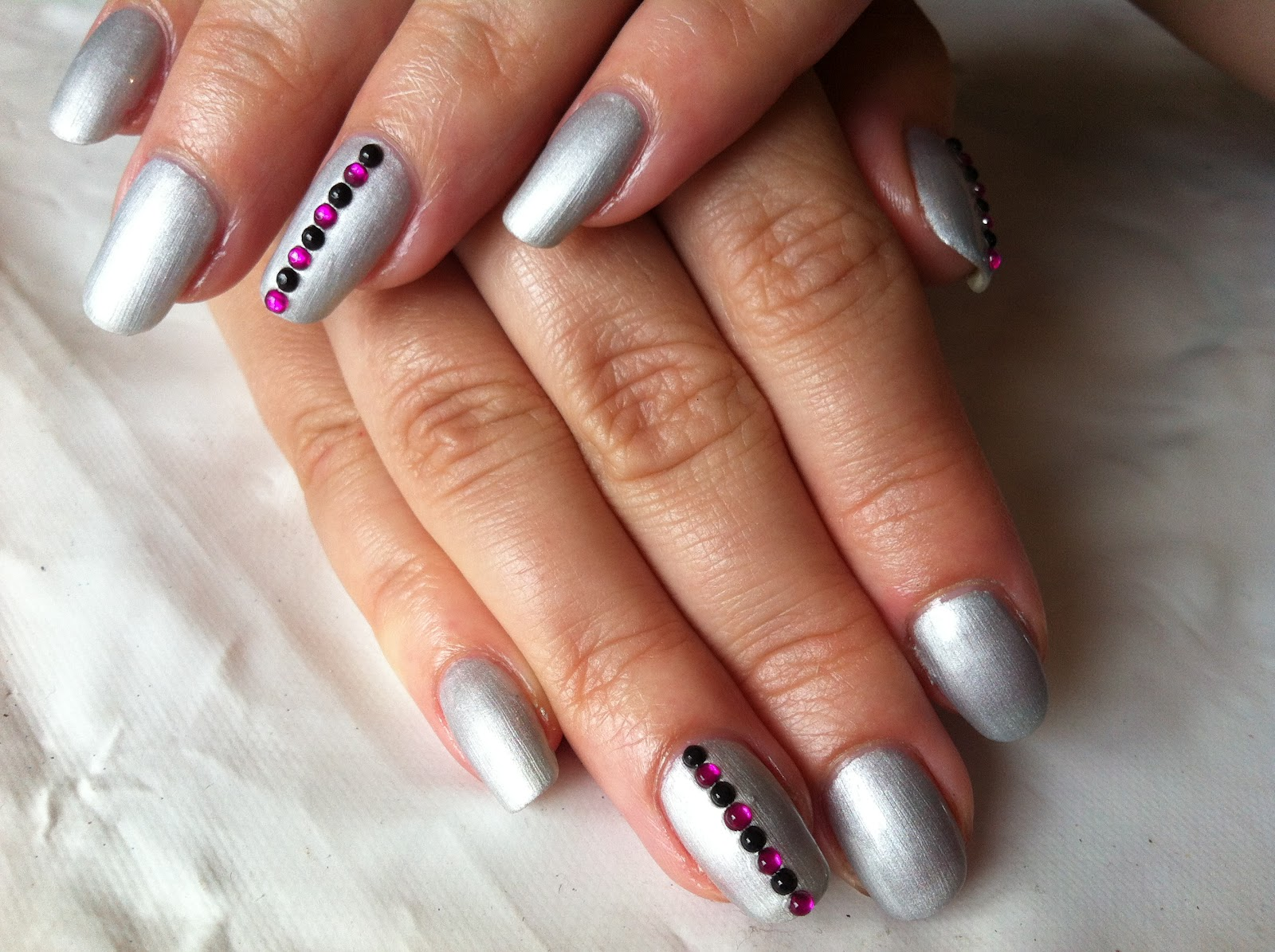 Brush up and polish up cnd shellac nail art futuristic silver cnd shellac nail art futuristic silver chrome prinsesfo Image collections