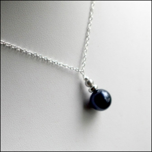 http://www.armedforcesgear.com/store/DROPNECK-AF%21RISIN/Air+Force+Pearl+Drop+Necklace