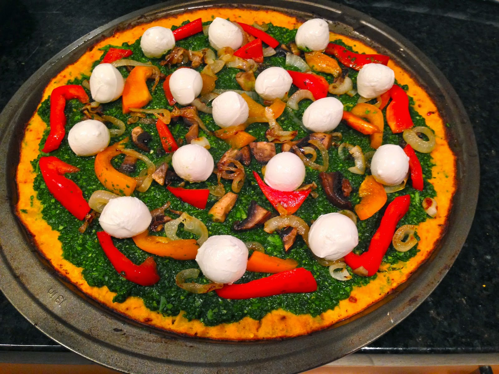 Butternutsquash Pizza Crust & Spinach, Garlic, Cilantro Pesto
