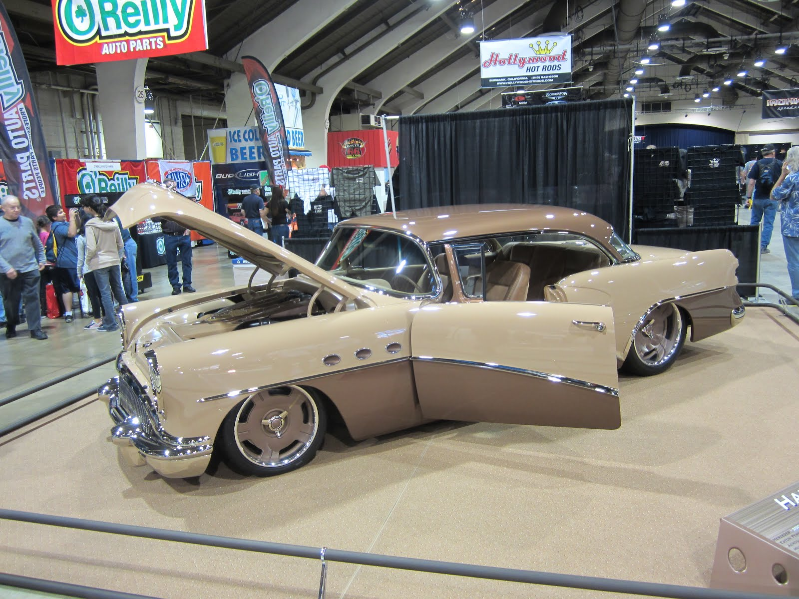Covering Classic Cars : 2012 Grand National Roadster Show Photos