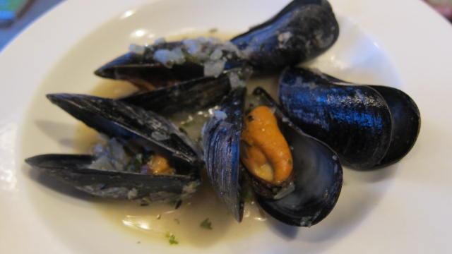 hur äter man musslor