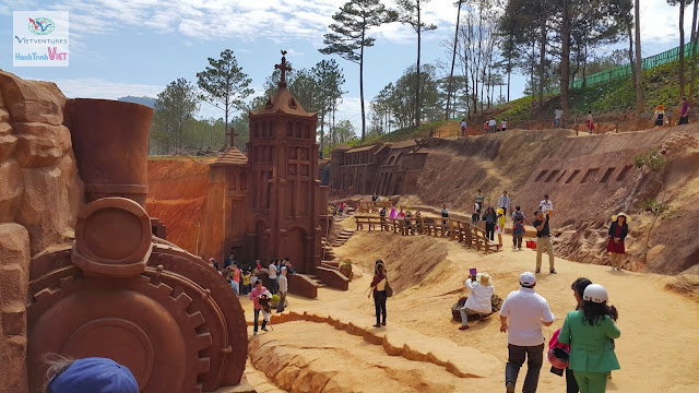 Tham quan đường hầm điêu khắc ở Đà Lạt 2015