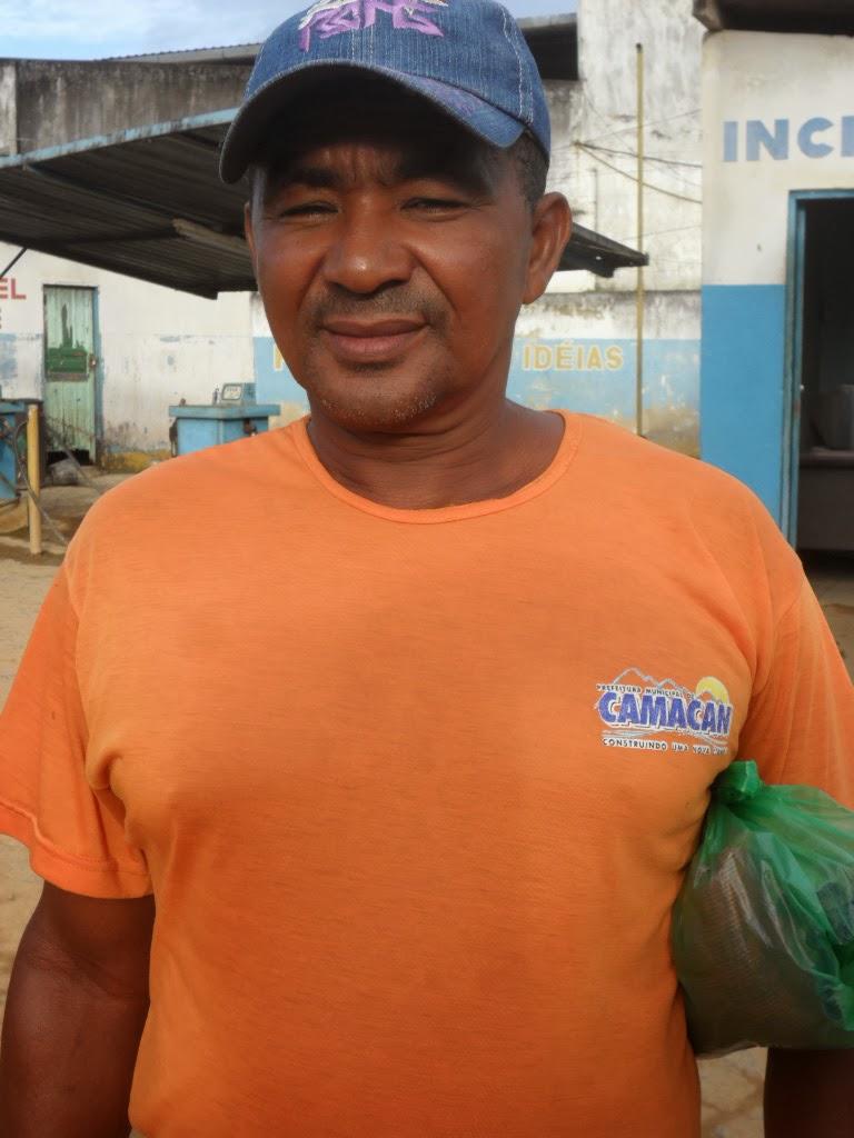 Gunda. Coletor de lixo, trabalho, companheirismo e honestidade a serviço do povo de Camacã