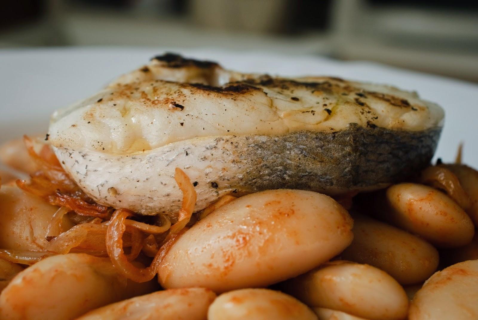 Judiones con merluza; Beans and hake
