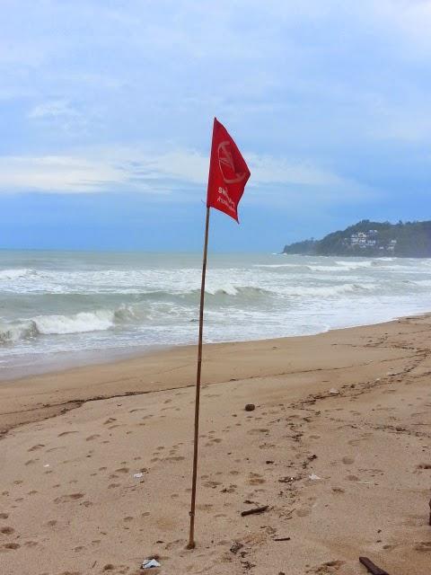 Red flag wrning for swimmers at Kamala Beach - Phuket