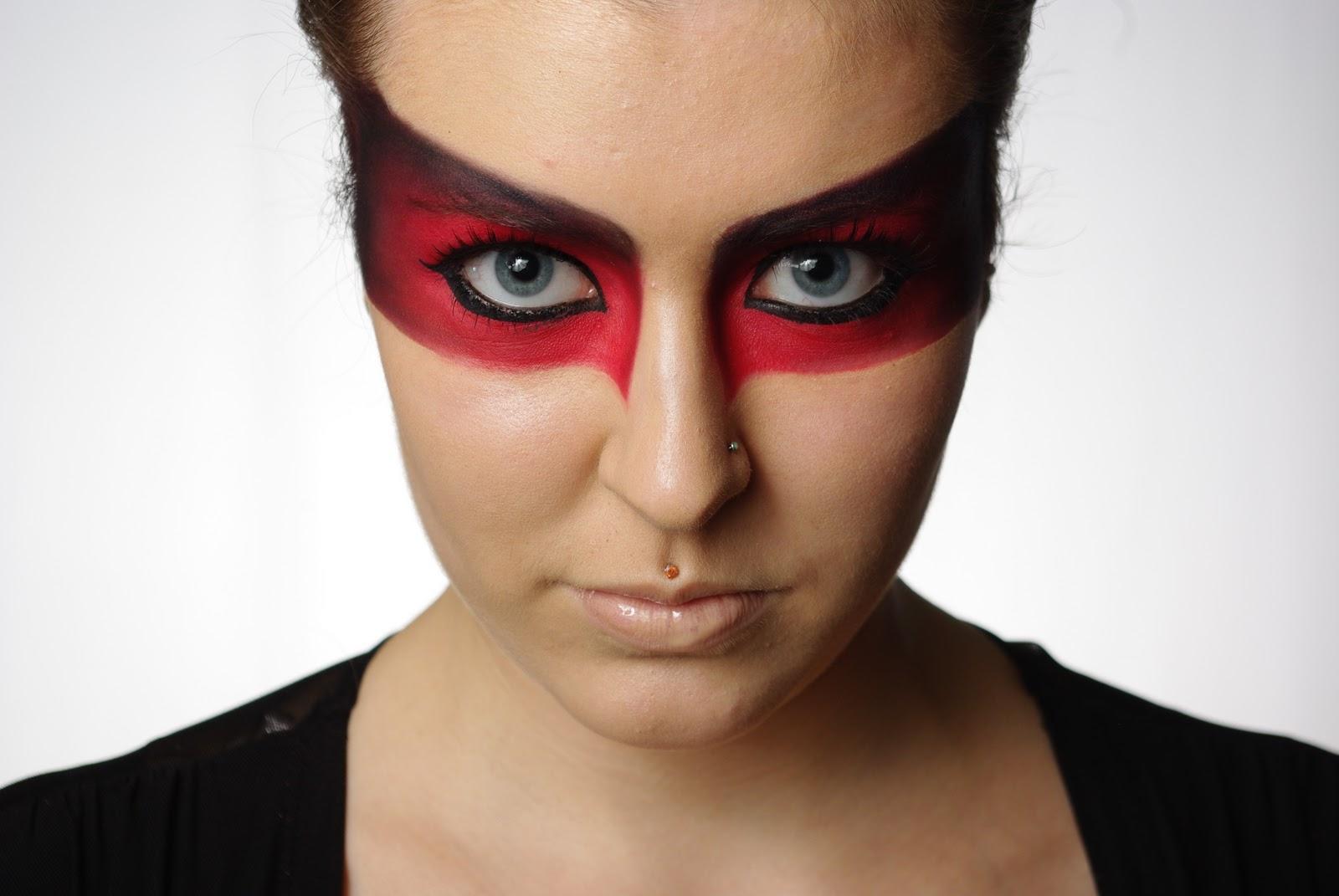 Superhero Makeup Robin Eye Makeup - Mak...
