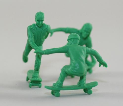 http://2.bp.blogspot.com/-jA1NXjUNpeY/T3EKHRexYiI/AAAAAAACKhs/Qq6rrzIQLuI/s640/toyboarder12.jpg