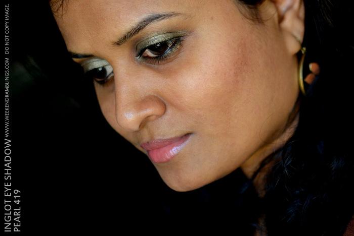 Inglot Makeup Cosmetics Eye Shadow Pearl 419 Khaki Olive Green Beauty Blog Reviews Swatches Indian Darker Skin EOTD FOTD Looks