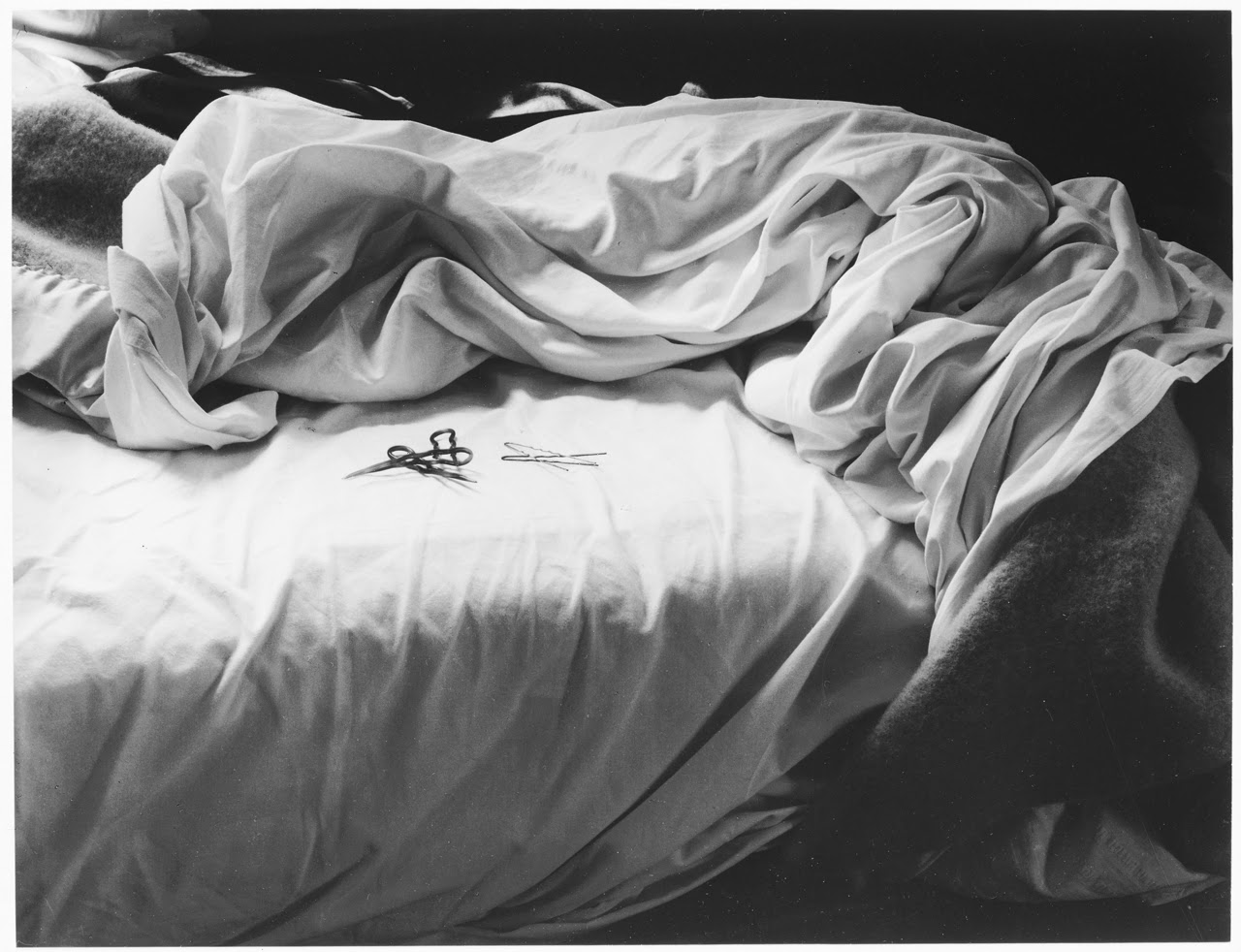 Black and white bed sheets tumblr - Painting Box