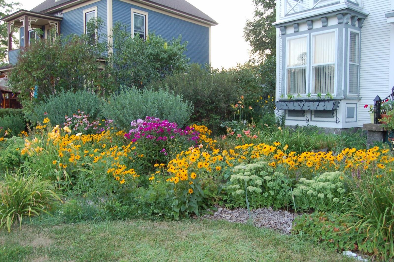 3 Jardins au Québec: Des plates-bandes comestibles et riches en ...