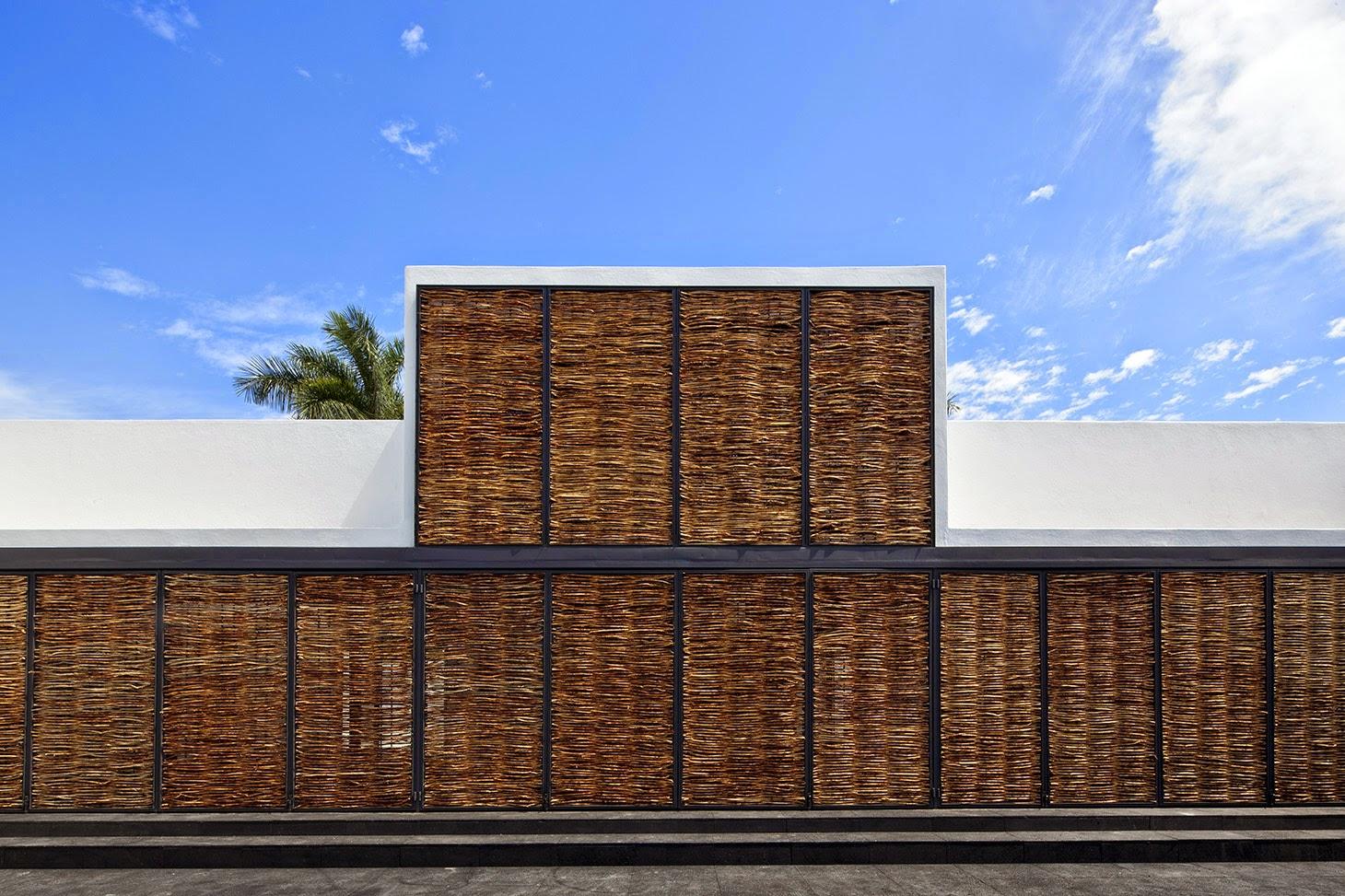 Rumah dengan Perpaduan Lokalitas dan Modernitas 8