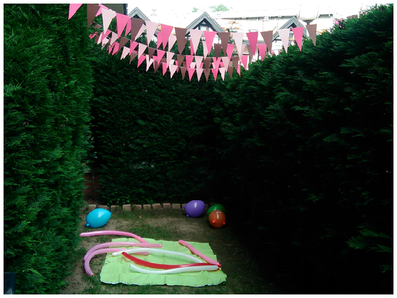 Decoración_jardin_zona_juegos_banderines