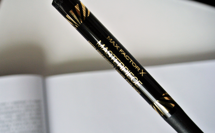 max factor velvet volume masterpiece liner swatch review pudrijera