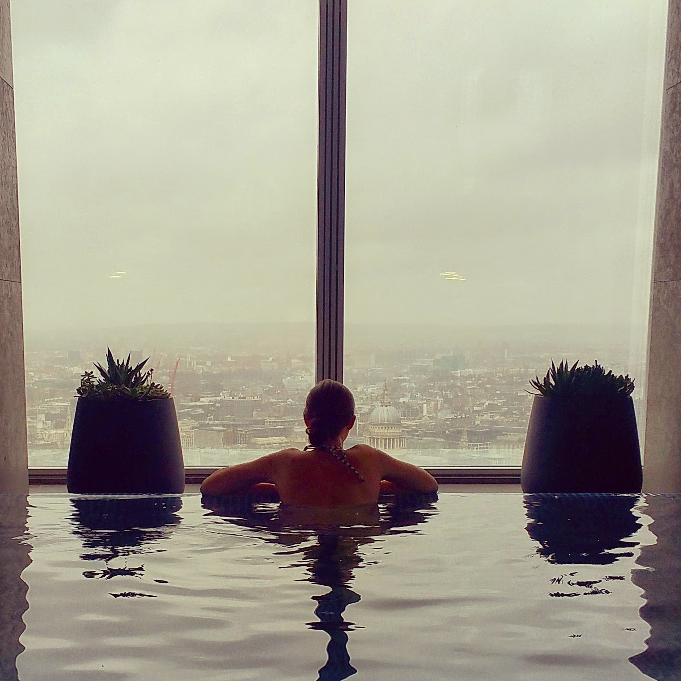 infinity-pool-shangri-la-shard-london