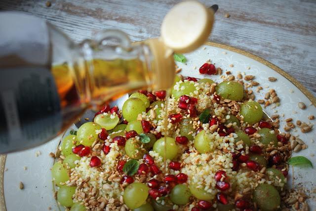 kasza jaglana,skworcu,ziarenkowo,granat,owoce granatu,cynamonowy raj,cynamon,detoks,białe winogrona,mięta,syrop klonowy,