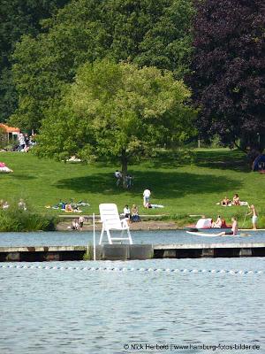Baden in Hamburg im Stadtpark