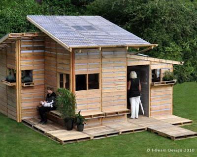 Casa sustentável de paletes de madeira