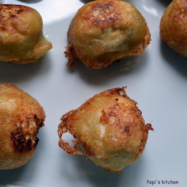 Blogoσυνταγές Νο 32,  σούπερ ντούπερ γλυκές τυρομπαλίτσες!