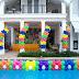 Decoração em piscina com balões e flores para festas diversas
