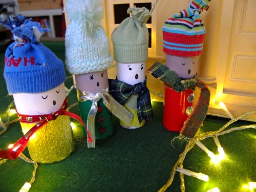 How To Recycle Christmas Ornaments From Toilet Paper Rolls