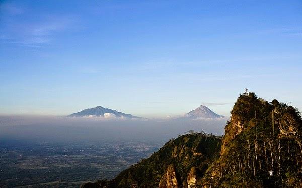 tempat wisata terbaik jogja puncak suroloyo