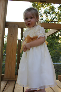 http://sweetpeaandpumkins.blogspot.com/2011/09/christmas-dress-very-early.html