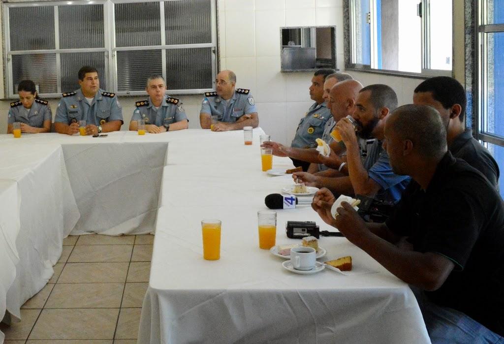 30º BPM de Teresópolis homenageia imprensa local