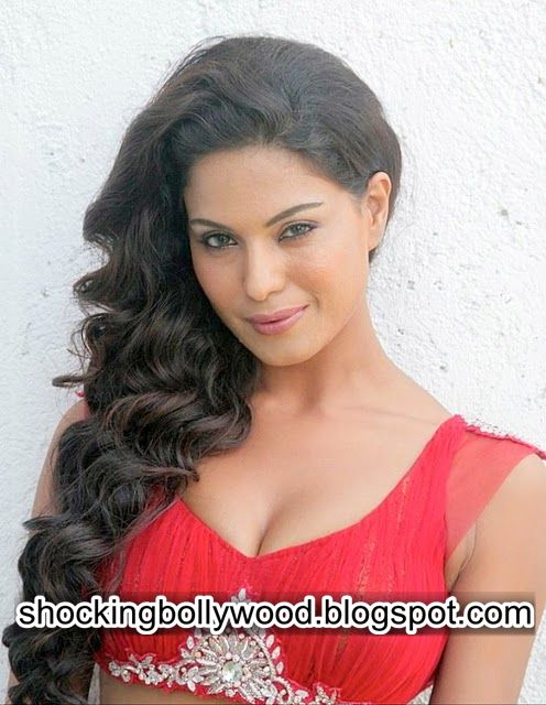 Shocking Pictures, Bollywood, Hollywood, Actresses, Oops