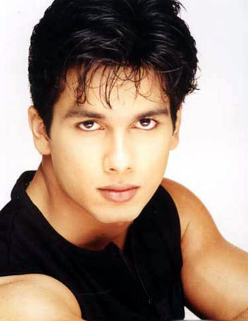 beautiful Indian actor Shahid Kapoor