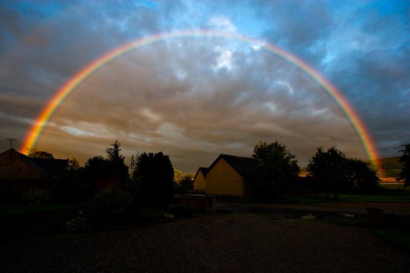 http://2.bp.blogspot.com/-jBgWbClSDRw/T0JjXcA9MbI/AAAAAAAAGjs/AB1Z0HuLX2o/s1600/dark-rainbow.jpg