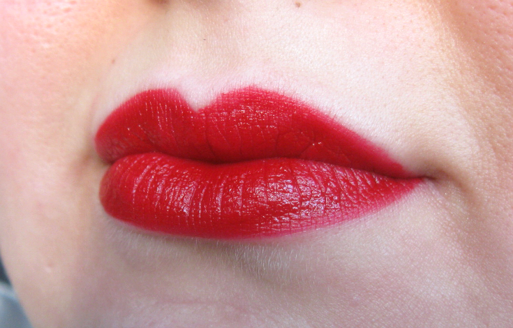 RIMMEL LONDON APOCALIPS MATTE SWATCH BURNING LAVA 505