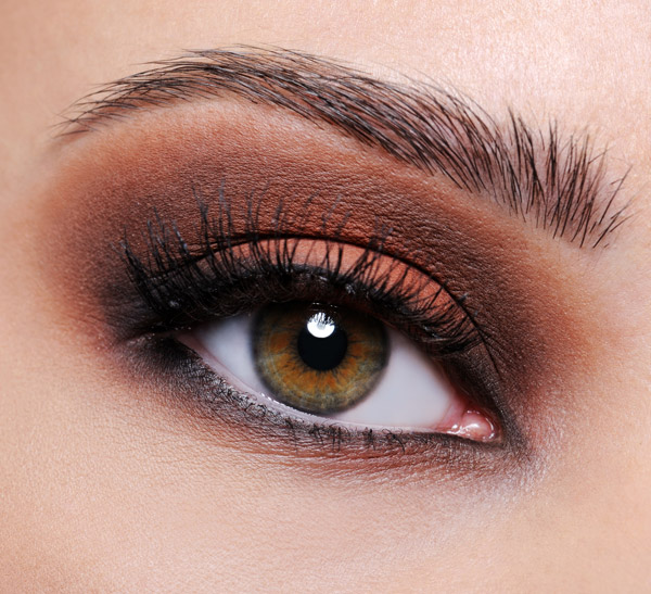 art de maquillage maquillage yeux marrons soiree. Black Bedroom Furniture Sets. Home Design Ideas