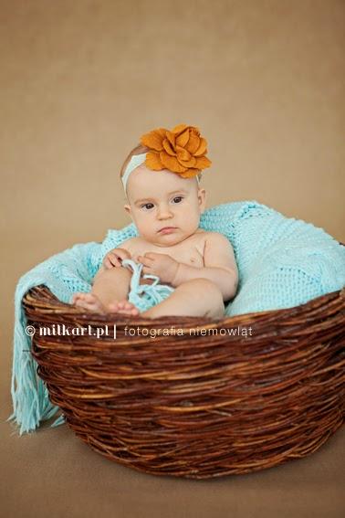 sesja zdjęciowa niemowląt, fotografia niemowlęca, zdjęcia dzieci, sesje  fotograficzne rodzinne,  studio fotograficzne w poznaniu