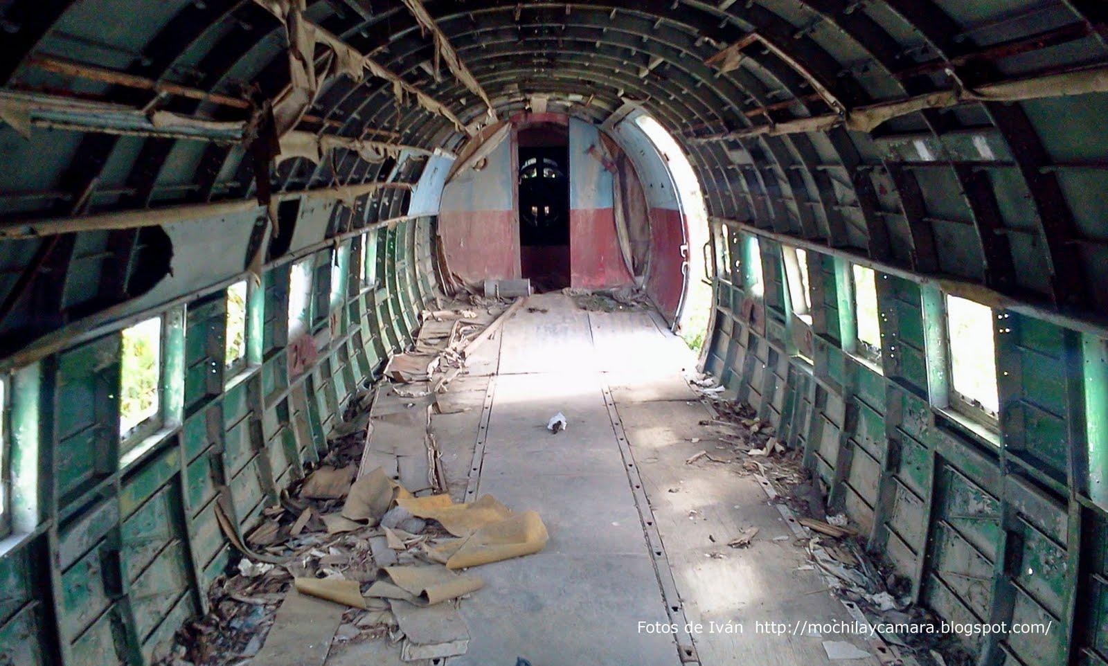 foto avion abandonado aeropuerto: