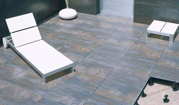 Zonas exteriores terra antiqva 976 46 30 90 gres y for Ceramicas para pisos exteriores precios