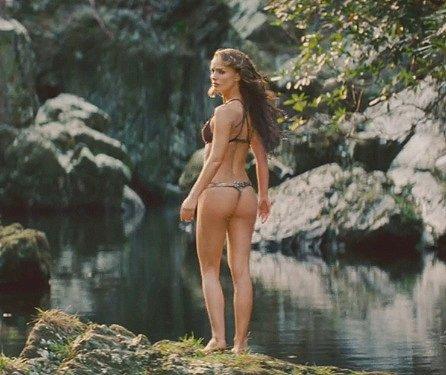 sister bikini pussy exposed